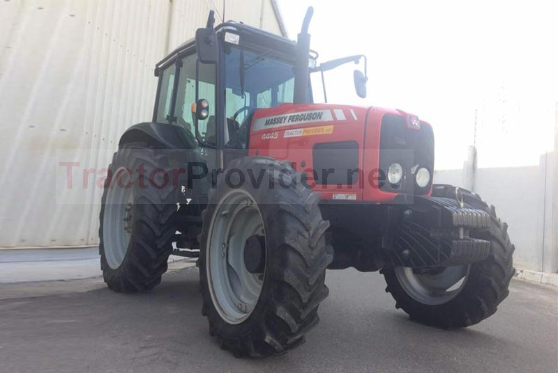 Massey Ferguson / MF-4445/4WD in Tanzania Stock